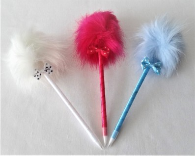 Fur Pom Bow Ball Pen Set